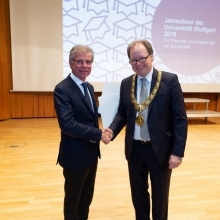Prof. Bergmeister und Rektor Ressel Prof. Bergmeister (li.) und Rektor Ressel bei der Verleihung der Ehrendoktorwürde